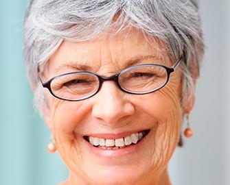 implantes dentales en Valdemoro - dentadura fija
